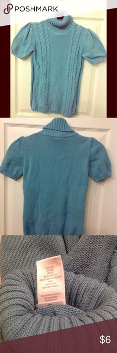 Sea foam Gymboree short sleeve sweater L 10/12 EUC Gorgeous girls Gymboree short sleeve sweater that can be worn year around for any occasion. The color is great for any bottom to match. Daughter wore once! Size Large 10/12 plenty of stretch. Wish it was in my size! Comes with matching barrette that was purchased at Gymboree Gymboree Shirts & Tops Sweaters