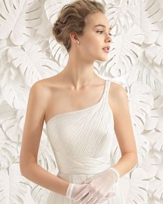 These are the 37 Most Popular Wedding Dress Styles Rosa Clara Wedding Dresses, Popular Wedding Dresses, Stunning Wedding Dresses, Bridal Dresses, Long Hair Wedding Styles, Wedding Hair Down, Wedding Dress Styles, Vintage Wedding Hair, Mod Wedding