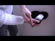 Como abrir uma garrafa de vinho sem saca-rolhas (usando um sapato!)