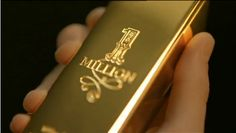I want to smell this cologne... If it smells good, if buy it.. Cause it looks so expensive.