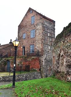 Mediaeval South East Tower. - Castles for Rent in Norfolk, England, United Kingdom Museum Cafe, Time And Tide, Great Yarmouth, Travel Dating, Free Park, St Helena, England And Scotland, House Beds, English Countryside