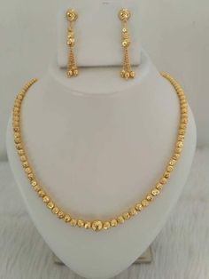 Jewerly gold necklace indian pearls 24 New ideas Gold Bangles Design, Gold Earrings Designs, Gold Jewellery Design, Necklace Designs, Jewelry Designer, Real Gold Jewelry, Gold Jewelry Simple, Trendy Jewelry, Fashion Jewelry