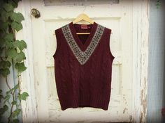 Small Shetland Wool Deep Purple V Neck Cable Knit by emmevielle