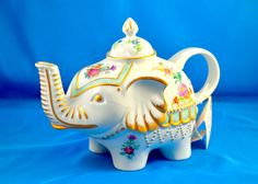 Items similar to Regal Elephant Teapot on Etsy Elephant Teapot, Elephant Love, Elephant Art, Tea Strainer, Tea Kettles, Elephants Never Forget, Carlton Ware, Tea For One, Cute Cups
