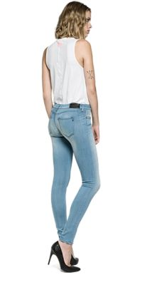 Pictures and vidoes with girls in jeans. Some getting spanked, some tied up, some dominating men and women, some pisses their jeans and some others :-) Replay Jeans, Skinny Fit Jeans, Your Style, Glamour, Denim, Tank Tops, Casual, Model, Pants