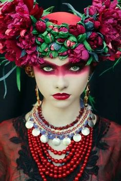 Polish Artists Recreate Traditional Slavic Wreaths as Gorgeous Floral Headdresses From the bright beads to the bold makeup to the bouquets balanced as exuberant crowns, these photographs by Ula are rich with color, pattern, and Beauty Photography, Fashion Photography, Photography Flowers, Photography Portraits, Foto Fantasy, Floral Headdress, Foto Fashion, Fashion Art, Street Fashion