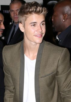 VIDEO: Justin Bieber attends CR Fashion Book Party – Paris Fashion Week