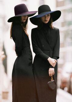 chapeaux trs chic accessoires tout noir noir dsir maison michel placard fabrique campagne