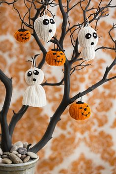 Halloween Tree of Spookiness. Create a spooky tree using a branch or use these ornaments wherever a little Halloween fun is needed. Choose from three Ghost variations and two sizes of Jack o' Lanterns.