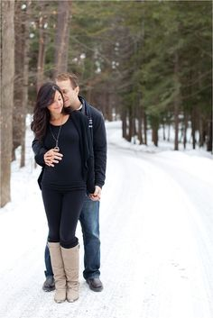Winter maternity session | Regan Carter Photography