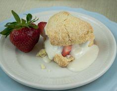 Strawberry Shortcake with vanilla creme [vegan]