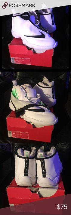 Nike Air Zoom Flight The Glove SL I have a pair of Gary Payton's white black and poison green gloves . In good condition 7/8 . Awesome shoe. Nike Shoes Sneakers