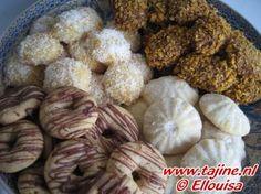 Vier soorten koekjes uit 1 deeg. Dit is echt handig, met 1 deeg maak je 4 soorten koekjes, die allemaal anders smaken en er anders uitzien. Zo heb je heel makkelijk een bord vol koekjes, zonder steeds een ander deeg te maken. Je kunt hiermee ook zelf wat experimenteren om andere soorten koekjes te maken. Cookie Desserts, No Bake Desserts, Cookie Recipes, Pastry Recipes, Baking Recipes, Arabic Food, Iftar, Group Meals, Yummy Cookies