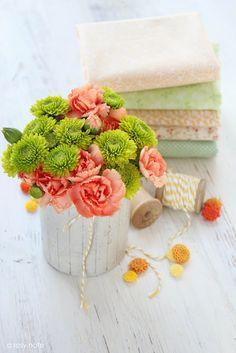 green button mums & carnations