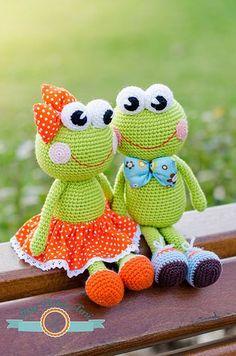 Poesy&Pascal by ItsyBitsyAmi, amigurumi crochet frogs toys: