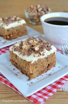Apple-snickers cake