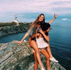 40 Silly yet Beautiful Best Friends Picture Ideas - Bff Pictures Bff Pics, Photos Bff, Bff Pictures, Best Friend Pictures, Friend Photos, Beach Photos, Holiday Pictures, Ideas For Pictures, Sister Beach Pictures