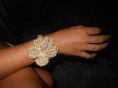 bracelet- crochet flower with crystal beads / βραχιόλι βελονάκι λουλούδι με κρυσταλάκια