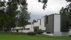 8. Alvar Aallon arkkitehtuuria Alajärvellä - Visit Seinäjoki Alvar Aalto, Flora, Garage Doors, Mansions, House Styles, Finland, Outdoor Decor, Home Decor, Mansion Houses