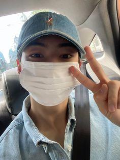 "ASTRO 아스트로 on Twitter: ""오늘은 조금 덥네요~ 건강하게 좋은 하루 보내요😊😊… "" Cha Eunwoo Astro, Lee Dong Min, Cha Eun Woo, Sanha, Yoona, Baseball Hats, Twitter Update, Japan, Concert"