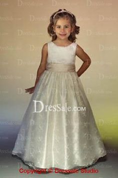 Fairy Tale like Tank Sleeve Princess Ivory First Communion Dresses.  My favorite