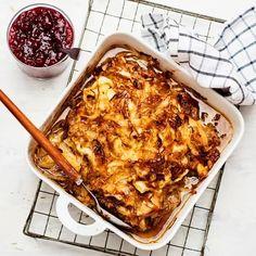 Kålpudding på klassiskt vis | Recept ICA.se Lchf, Lasagna, Macaroni And Cheese, Food And Drink, Health Fitness, Vegan, Ethnic Recipes, Finland, Sweden
