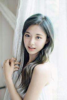Xuất hiện nữ thần tượng đẹp đến nỗi được cả nữ hoàng quyến rũ Kpop Lee Hyori mê mẩn - Ảnh 4.