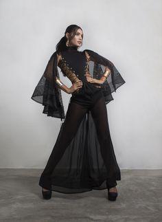 Black dress handcrafted with transparant skirt and long sleeves . . . Designer: Ronald Rizzo Model: Karelys Oliveros Photographer: Kevin Kubic Stylist: Gabrielo Pino Previte Orfebre: Marlene Marquina . . . #ronaldrizzo #collection #fashion #instafashion #fashiondesigner #fashionblogger #fashionista #altacostura #mode #hautecouture #dress #styling #glamour #luxury #attitude #modelo #elegant #photoshoot #fotografia #women #womenswear #model #brand #custommade #trabajofamiliar #hechoenvenzuela