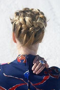 Recogido con trenzas para cabello mediano
