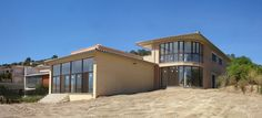 #Edificios #Contemporaneo #Exterior #Peldaños #Plantas #Ventanas #Fachada #Puertas #Vidrio