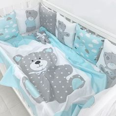 Crib bumper with a classic pillows and sweet art