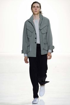 Tim Coppens Spring 2016 Menswear Collection Photos - Vogue ✏✏✏✏✏✏✏✏✏✏✏✏✏✏✏✏ IDEE CADEAU / CUTE GIFT IDEA  ☞ http://gabyfeeriefr.tumblr.com/archive ✏✏✏✏✏✏✏✏✏✏✏✏✏✏✏✏