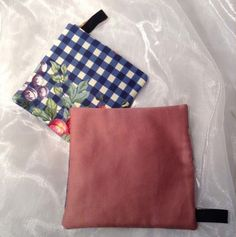 Pretty little square kitsch cotton pattern pot holder. Padded with heat proof material and has a tie to hang up. 5 designs, 2 of each, let me know which you would like. Pretty Little, Kitsch, Pot Holders, Pattern, Cotton, Handmade, Etsy, Design, Products
