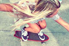 Mö Girl Skater