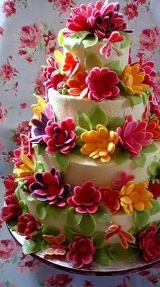 happy birthday flowers - If there are presents delivered mysteriously or a check. I would kiss you. Fancy Cakes, Cute Cakes, Pretty Cakes, Bolo Floral, Floral Cake, Take The Cake, Love Cake, Gorgeous Cakes, Amazing Cakes