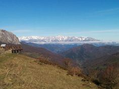 Hoy en el alto de #piedrasluengas teníamos esta vista, con un pequeño mar de nubes al fondo. @tiempobrasero