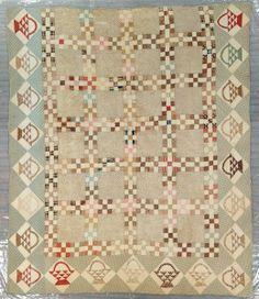 Nine Patch with Flower Basket Border c. from Grand Rapids Museum Totally love the sweet basket border! Old Quilts, Antique Quilts, Scrappy Quilts, Vintage Quilts, Primitive Quilts, Quilting Projects, Quilting Designs, Laundry Basket Quilts, Colonial