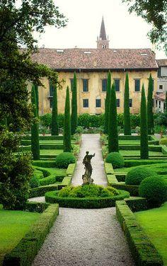 Beautiful #garden in #Verona :-) #Veneto - #Italy