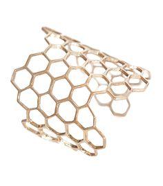 Elizabeth Charles Honey comb cuff - ShopBAZAAR