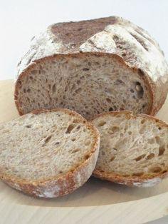 ricetta di pane integrale di segale con lievito madre, pasta madre. per un natale fragrante, aspettando il natale.