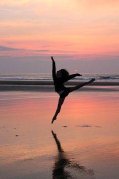 Dance Photos On The Beach –