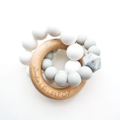 Loulou Lollipop Loulou Lollipop - Jouet de Dentition Trinity en Bois et Silicone/Trinity Wood and Silicone Teether, Gris Froid/Cool Grey Baby Diy Projects, Teething Toys, Teething Babies, Baby Footprints, Baby Teethers, Wood Rings, Kids Store, Little Babies, Baby Toys