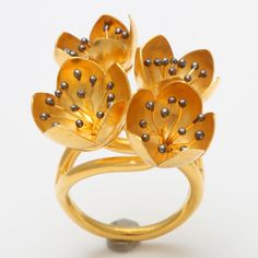 Rebecca Koven, Buttercup Flower Ring, 18-karat yellow gold, rhodium-plated sterling silver