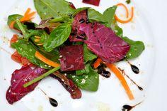 salata de spanac si loboda Healthy Recipes, Healthy Foods, Raw Vegan, Tuna, Steak, Food And Drink, Yummy Food, Drinks, Salads
