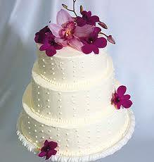 Cream Wedding Cakes