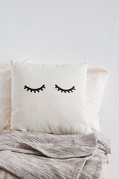 Pillow with eyes - Urban Outfitters