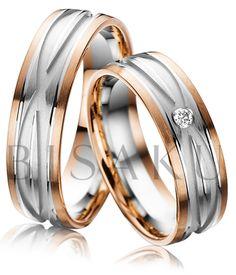A48 Libí se vám dekorativnost a nápaditost? Tato slova vystihují design těchto snubních prstenů, které nejvíce upoutají výrazným ornamentem v podobě dvou protínajících se drážek v bílém zlatě. Kraje jsou tvořeny matným červeným zlatem. V dámském prstenu se vyjímá jeden větší briliant. #bisaku #wedding #rings #engagement #brilliant #svatba #snubni #prsteny