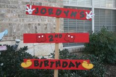 I love all the custom elements that you can put into a bday party! I'm not a party city kind of girl!