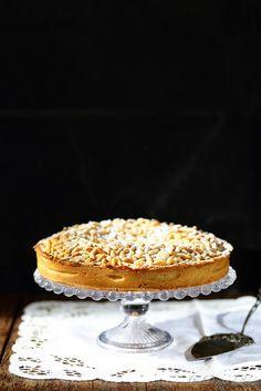 Un dejeuner de soleil: Torta della nonna (tarte à la crème pâtissière et ...