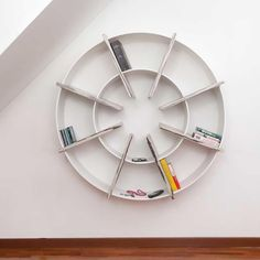Uplift your indoor decoration to a complete new level by storing your goodreads in the Giotto Bookcase.